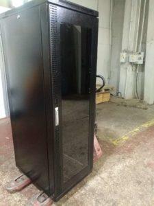 шкаф серверный2
